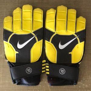 NWOT Nike soccer goalie gloves. Never used.